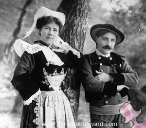 costume_traditionnel_bretagne_couple_grand