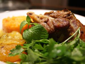agneau-laque-puree-carotte-abricot